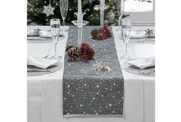 Cosmos Table Runner